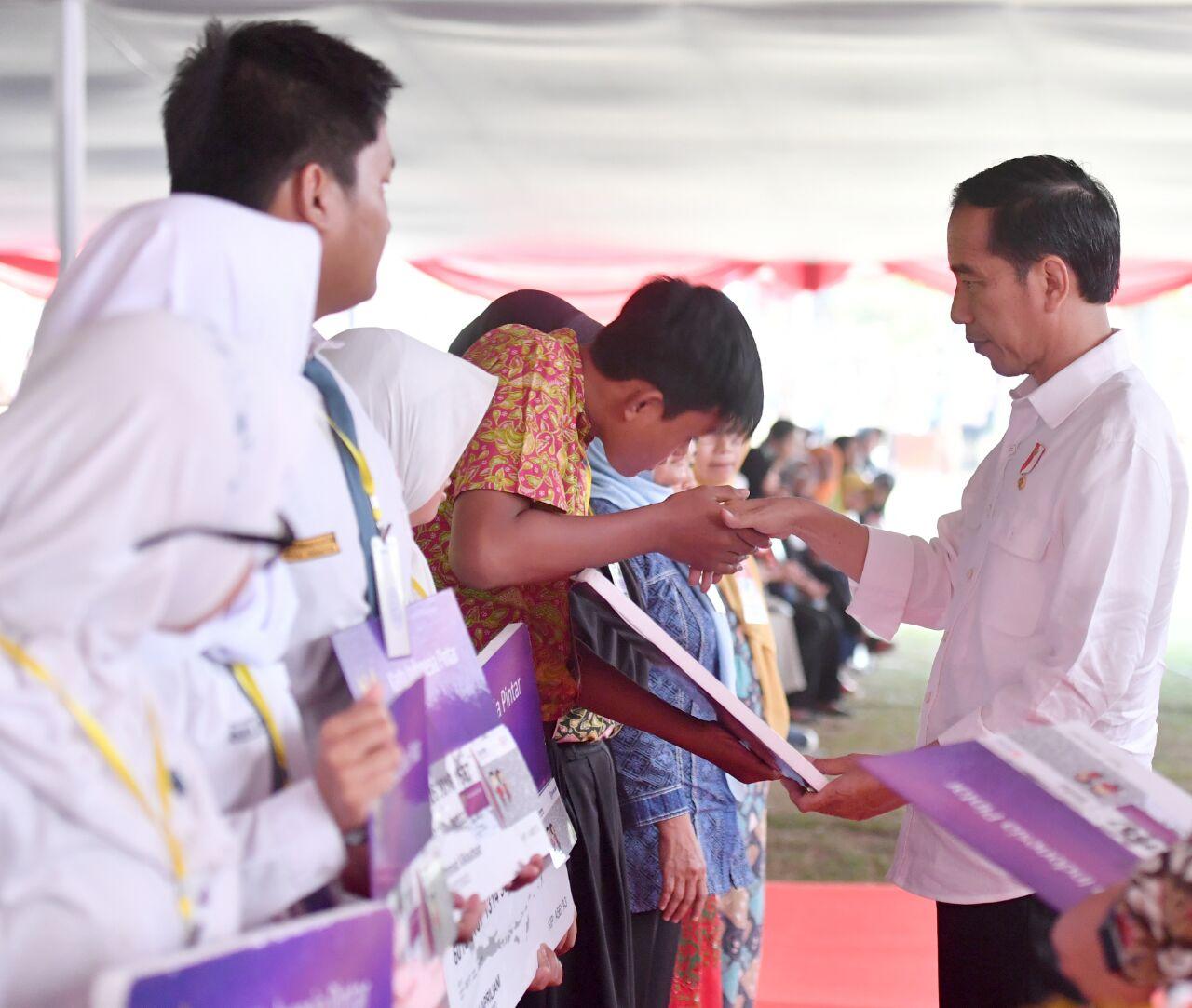 Kini Dana Pip Bisa Dicairkan Di Agen46 Bni Dengan Menggunakan Kartu Indonesia Pintar Kip Siaran Pers Bni